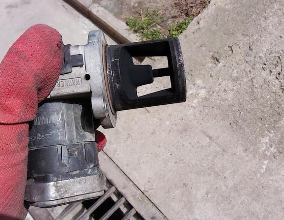 Клапан ЕГР Jeep Grand Cherokee WK  3.0 CRD 2006 - 2008  Клапан ЕГР Jeep Commander 3.0 CRD   Клапан ЕГР Chrysler 300C 3.0 CRD 2006 - 2008